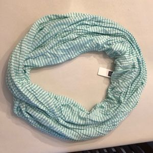 2/$30 🎉 NWT Gap Mint White Stripe Infinity Scarf